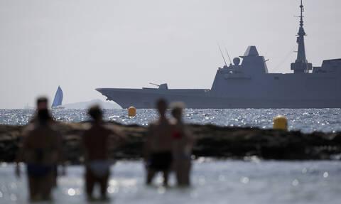 Η Γαλλία «συνέλαβε επ' αυτοφώρω» τουρκική φρεγάτα να σπάει το εμπάργκο στη Λιβύη