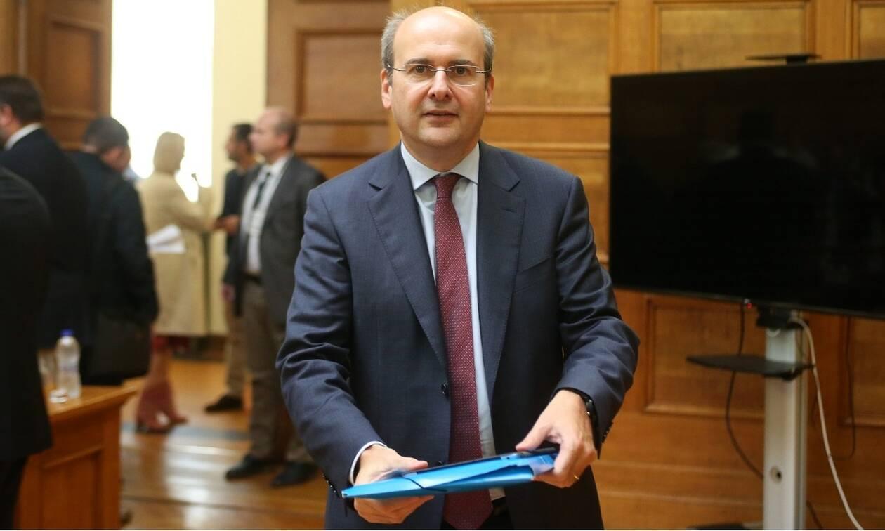 Χατζηδάκης στη Le Figaro: «Θα απελευθερώσουμε τον κλάδο ενέργειας μέσω των ιδιωτικοποιήσεων»