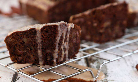 Η συνταγή της ημέρας: Πουτίγκα με σοκολάτα και χουρμάδες