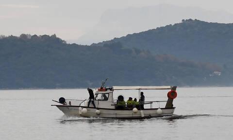 Συγκλονισμένοι οι κάτοικοι των Ψαρών: Ναυτικός βρέθηκε νεκρός να επιπλέει στη θάλασσα