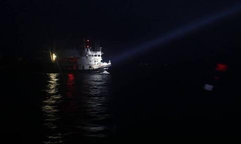 Πώς σχεδιάζει η κυβέρνηση το μέτρο των πλωτών φραγμάτων στο Προσφυγικό