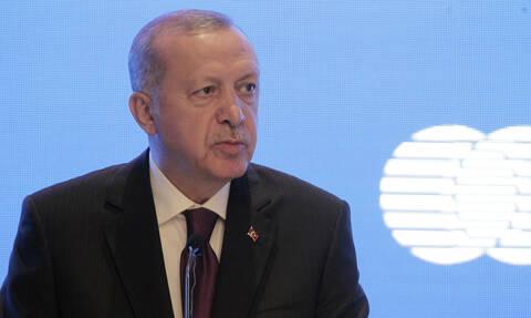 Ο Ερντογάν απειλεί με νέα επιχείρηση στη Συρία