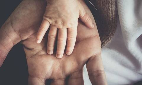 Φρίκη: Πατέρας σκότωσε το νεογέννητο γιο του (pics)