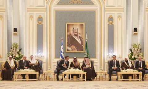 Τα κέρδη της επίσκεψης Μητσοτάκη σε Σαουδική Αραβία και Εμιράτα