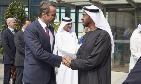 Mitsotakis meets with UAE Crown Prince and state investors