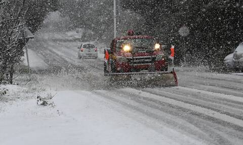 Καιρός: Προσοχή τις επόμενες ώρες - Ραγδαία επιδείνωση με βροχές, καταιγίδες και χιόνια (ΧΑΡΤΕΣ)