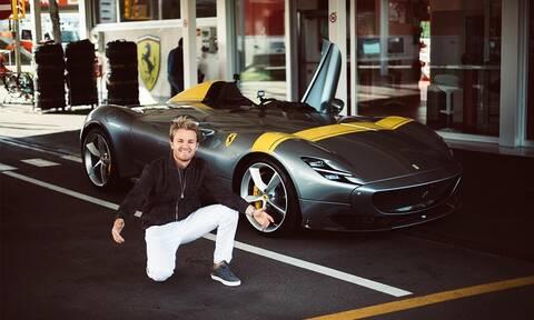 Ποιο είναι το εντυπωσιακό ανοιχτό αυτοκίνητο που οδηγεί ο Nico Rosberg;