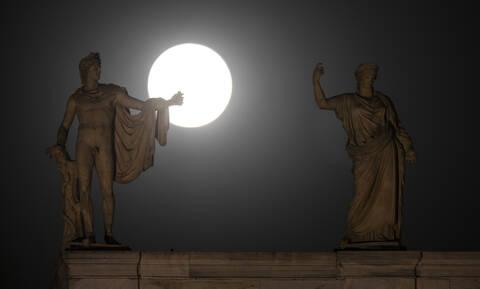 Απίστευτο: Δείτε τι βρήκαν σε πηγάδι στην Αθήνα (pics)