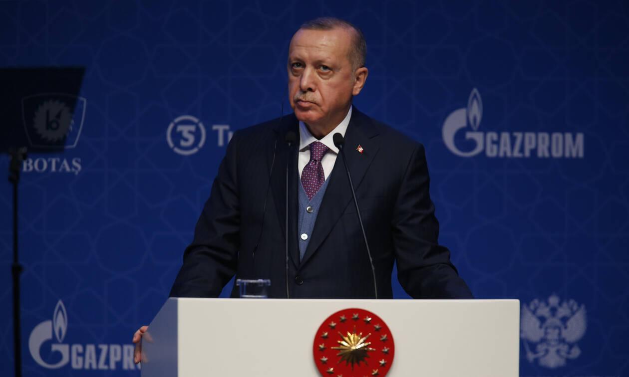 Ο Ερντογάν παίρνει το «όπλο» του και προαναγγέλλει νέες επιχειρήσεις στην Ιντλίμπ της Συρίας