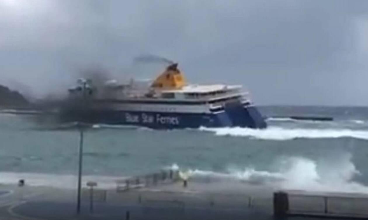 Απίστευτο: Μάγκας καπετάνιος κάνει μανούβρες με 8 μποφόρ μέσα στο λιμάνι της Τήνου