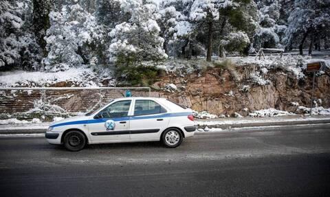В Греции из-за обильных снегопадов вводится ограничение на движение грузового транспорта по трассам