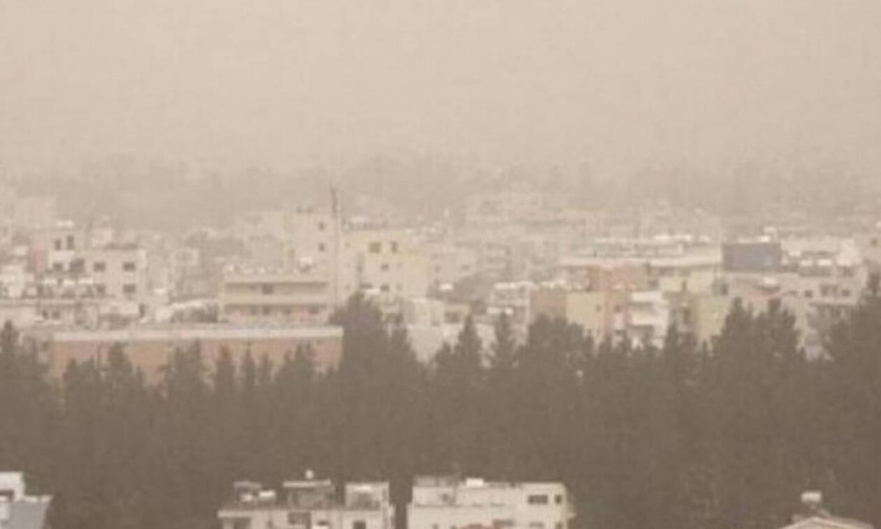 Желтое облако пыли повисло над Кипром