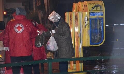Ο Ελληνικός Ερυθρός Σταυρός κοντά στους άστεγους τις ημέρες της κακοκαιρίας