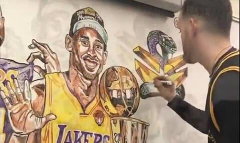 Κόμπι Μπράιαντ: Απίστευτο έργο τέχνης για τον Black Mamba σε λύκειο των ΗΠΑ (photos+video)