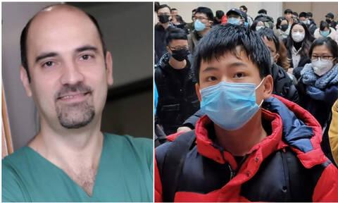 Ο Έλληνας γιατρός που έγινε viral για τις μάσκες του... Κοροναϊού!