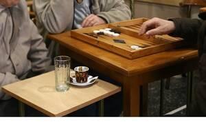 «Κλάμα»: Επική ανακοίνωση καφετζή στο Αγρίνιο για τους καπνιστές (pics)