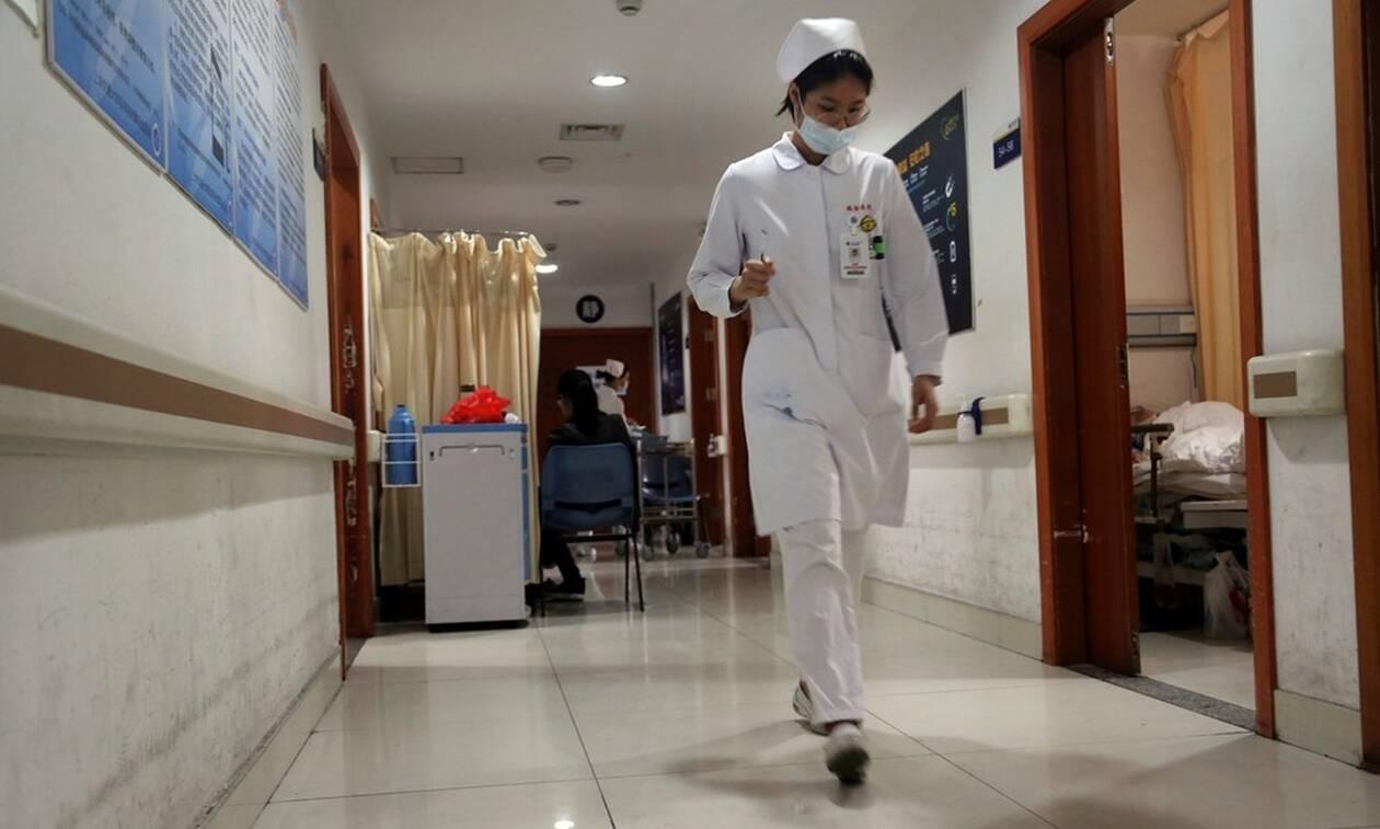 Κίνα: Διαψεύδεται ο θάνατος του γιατρού που προειδοποίησε τον κόσμο για τον κοροναϊό