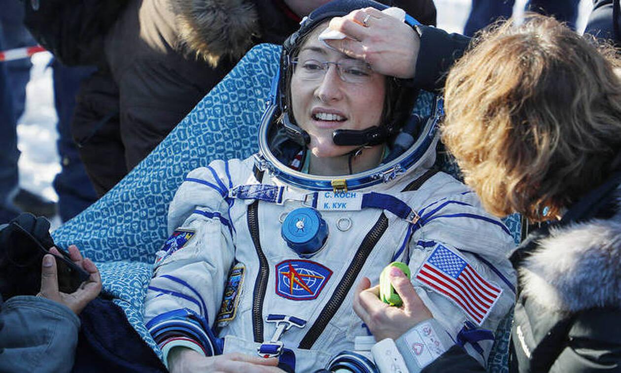 Έσπασε όλα τα ρεκόρ: Επέστρεψε στη Γη μετά από 328 ημέρες στο διάστημα!