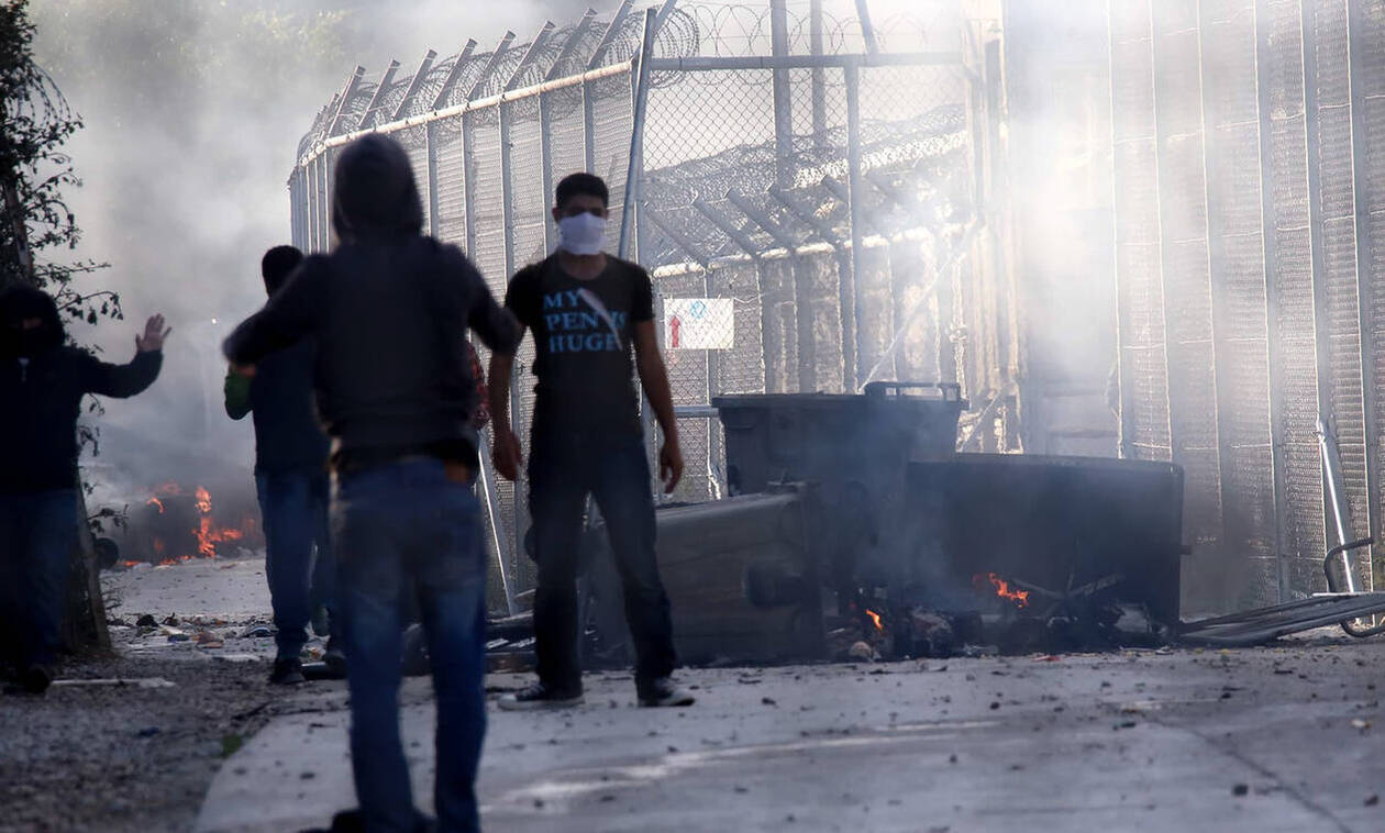 Μόρια: Ελεύθεροι οι 7 συλληφθέντες που συνελήφθησαν με ξύλινα ρόπαλα και μεταλλικές ράβδους