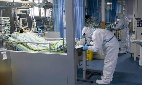 Κοροναϊός: Ο εφιάλτης συνεχίζεται – 722 νεκροί – Ένας Αμερικανός νεκρός στην Ουχάν από τον φονικό ιό