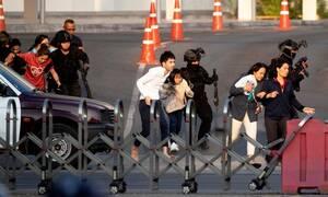Ταϊλάνδη: Απομακρύνθηκαν οι πολίτες από το εμπορικό κέντρο - Στους 21 οι νεκροί