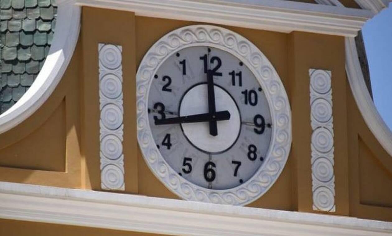Αυτό είναι το μοναδικό ρολόι που πηγαίνει αντίθετα! (pics)