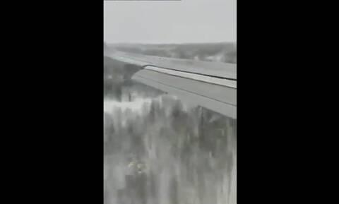 Χαμός σε αεροπλάνο - Αναγκαστική προσγείωση που κόβει την ανάσα (pics+vid)