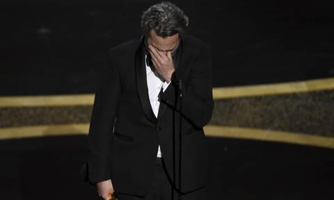 """Oscars 2020 - Όσκαρ 2020 νικητές: Τα δάκρυα του """"Joker"""" Χοακίν Φίνιξ (vids)"""