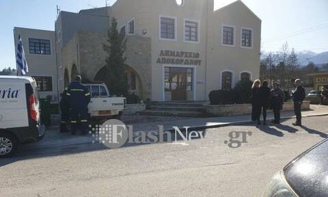 Συναγερμός στα Χανιά: Τηλεφώνημα για βόμβα στο Δημαρχείο και σε σχολεία