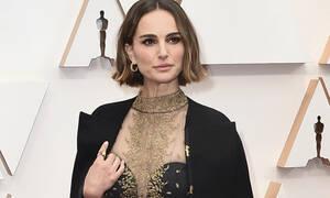 Το κρυφό μήνυμα πίσω από την κάπα της Natalie Portman στα φετινά Όσκαρς