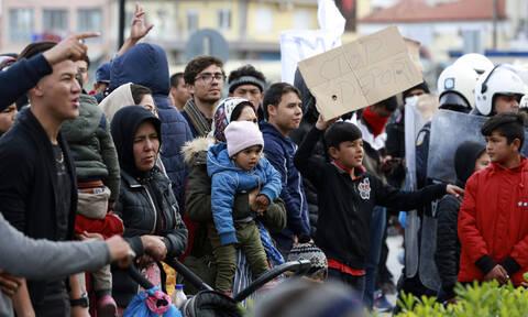 Μεταναστευτικό: Αντιδράσεις μετά την επίταξη χώρων για τα κλειστά κέντρα κράτησης