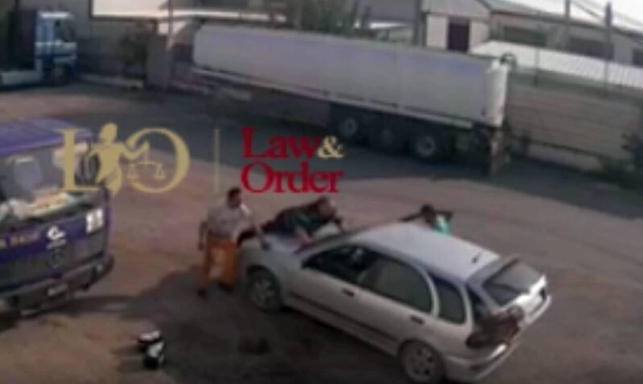 Βίντεο: Απόπειρα κλοπής στον Ασπρόπυργο - Αυτοκίνητο παρασύρει τον ιδιοκτήτη