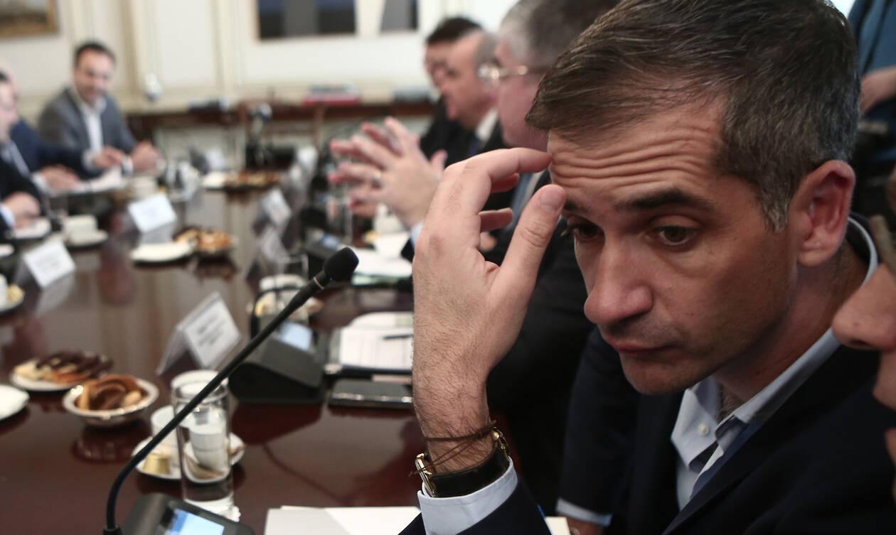 Δημοτικό Συμβούλιο Αθήνας: Απειλές και ύβρεις από τον Ηλία Κασιδιάρη (video)