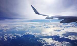Πανικός σε πτήση: Αεροπλάνο άλλαξε γιατί ο επιβάτης έφαγε... (pics)