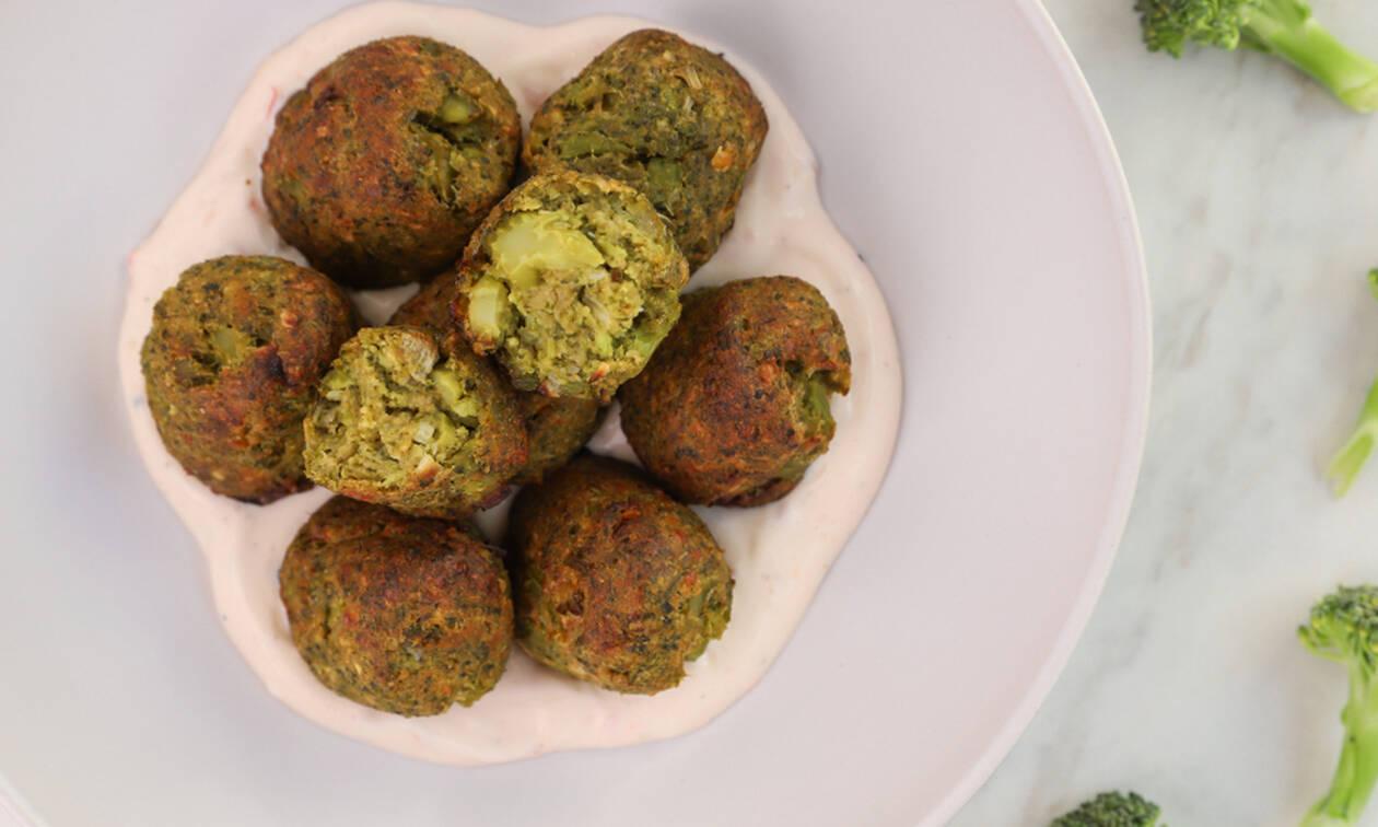 Μπροκολοκεφτέδες: Υγιεινή συνταγή που θα λατρέψουν όλοι στο σπίτι