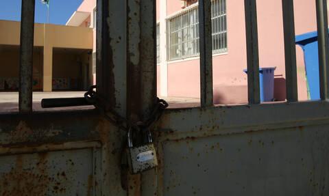 Βύρωνας: Άγριος ξυλοδαρμός 17χρονου μέσα στο σχολείο του (vid)