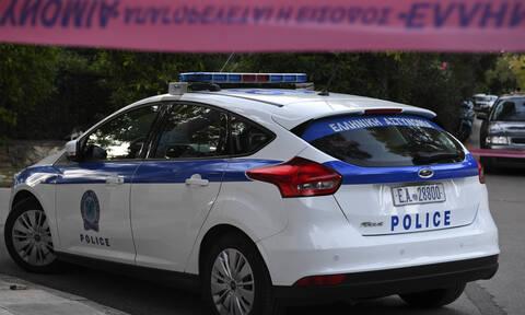 Συλλήψεις ανήλικων δραπετών για απόπειρα κλοπής στη Γλυφάδα