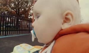 Απίστευτο βίντεο με μπόμπιρα που το «σκάει» από το σπίτι του!