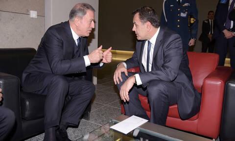 Παναγιωτόπουλος-Ακάρ: Τι είπαν στο 10λεπτο τετ α τετ τους στις Βρυξέλλες