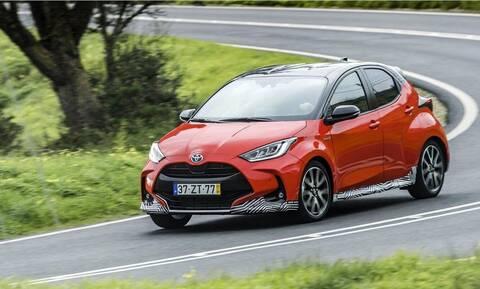 Νέο Toyota Yaris: Tο υβριδικό έχει κατανάλωση μόλις 3,7 λίτρων για κάθε 100 χιλιόμετρα