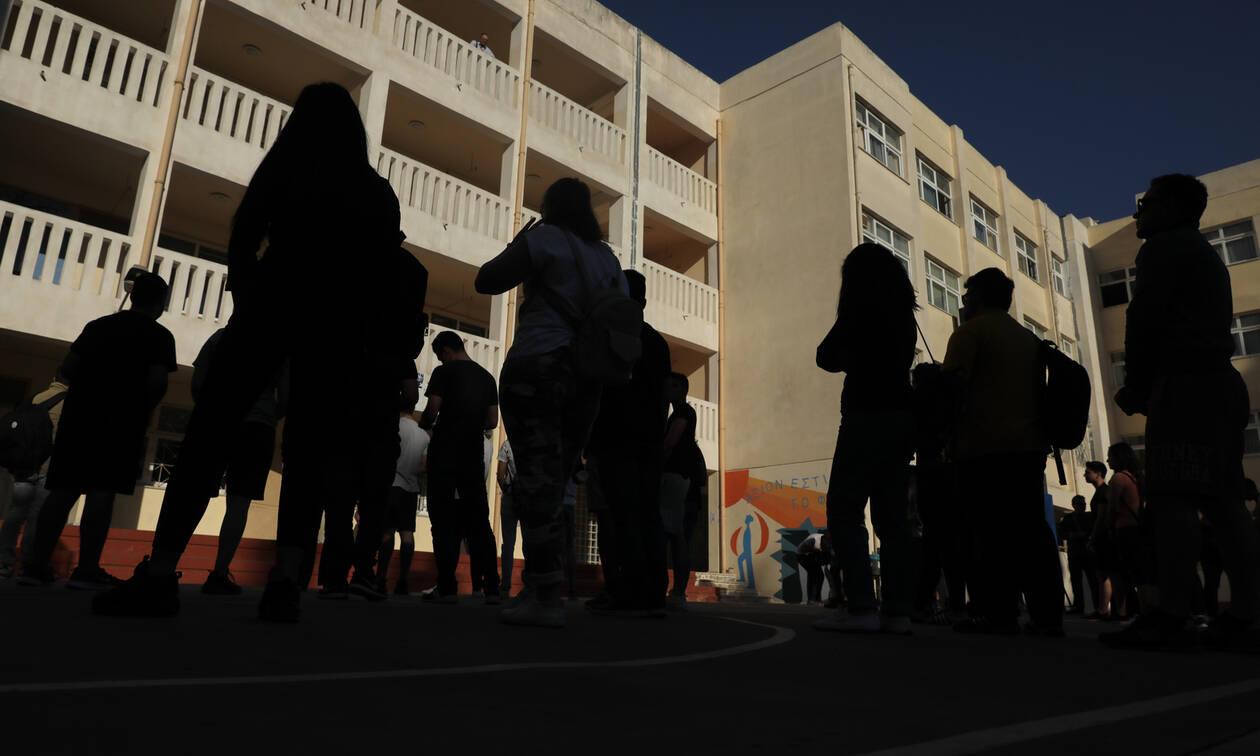 Βύρωνας: Νέα στοιχεία για την υπόθεση ξυλοδαρμού του 17χρονου που προστάτευε την αδερφή του