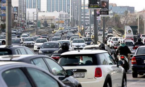 Κίνηση: Μποτιλιάρισμα στους δρόμους της Αθήνας – Ποια σημεία να αποφύγετε