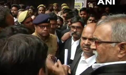 Έκρηξη σε δικαστήριο με πολλούς τραυματίες στην Ινδία