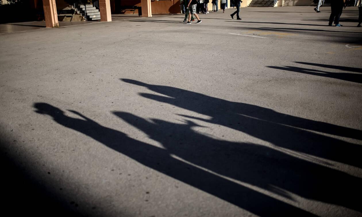 Βύρωνας: Περιγραφή-σοκ από τον δικηγόρο του 17χρονου - «Πήγαν να του βγάλουν το μάτι»