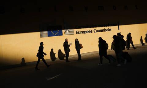 Κομισιόν για Ελλάδα: Στο 2,4% η ανάπτυξη φέτος – Αναθεώρησε προς τα πάνω τις προβλέψεις