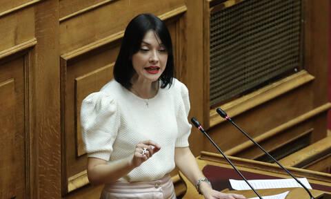 Γιαννακοπούλου ζητάει εξηγήσεις από τη Γεννηματά για τη «συμπόρευση με τον ΣΥΡΙΖΑ»
