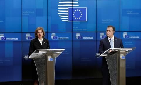 Κοροναϊός: Ενημέρωση Κικίλια στα κόμματα της Βουλής για τις εξελίξεις στην Ευρώπη