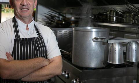 Άγιος Βαλεντίνος: Ο διακεκριμένος σεφ σου δείχνει ποια είναι η πιο ερωτική συνταγή