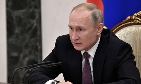 Πούτιν: Όσο είμαι πρόεδρος της Ρωσίας δεν θα υπάρξουν «γονιός Νο 1» και «γονιός Νο 2»