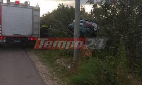 Σοβαρό τροχαίο στην Πατρών-Πύργου - Αυτοκίνητο με πενταμελή οικογένεια «προσγειώθηκε» σε χωράφι